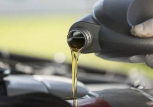 Quelle huile pour une tondeuse thermique?